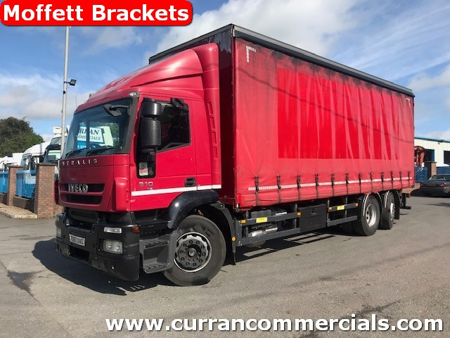 2008 iveco stralis 310 euro5 6x2 curtainsider with moffett mounty brackets